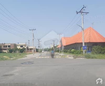 کینال گارڈن ۔ بلاک ای کینال گارڈن لاہور میں 5 مرلہ رہائشی پلاٹ 56.5 لاکھ میں برائے فروخت۔
