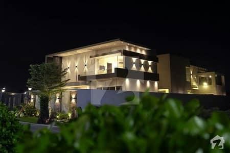 کینال روڈ فیصل آباد میں 5 کمروں کا 1.2 کنال مکان 8.5 کروڑ میں برائے فروخت۔