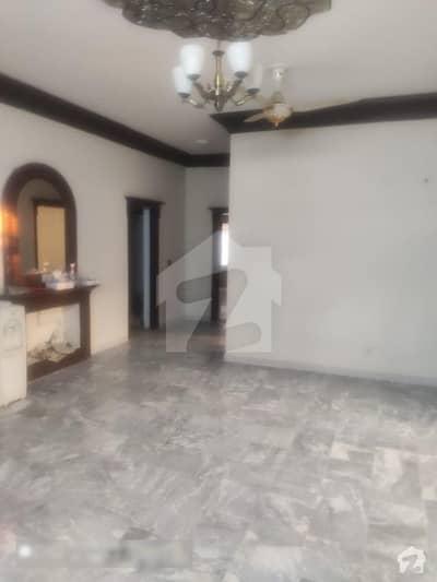 ایف ۔ 10 اسلام آباد میں 6 کمروں کا 1.47 کنال مکان 13.5 کروڑ میں برائے فروخت۔