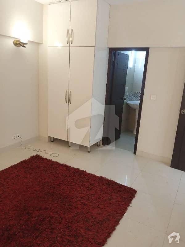 ڈیفینس ویو سوسائٹی کراچی میں 4 کمروں کا 10 مرلہ فلیٹ 3.2 کروڑ میں برائے فروخت۔