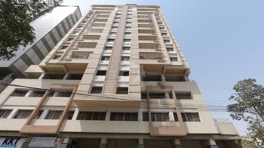 شہید ملت روڈ کراچی میں 3 کمروں کا 10 مرلہ فلیٹ 3.7 کروڑ میں برائے فروخت۔