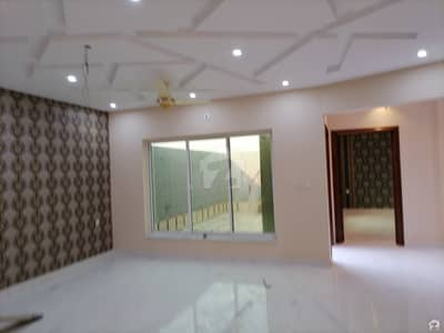 فور سِیزن ہاؤسنگ فیصل آباد میں 5 مرلہ مکان 42 ہزار میں کرایہ پر دستیاب ہے۔