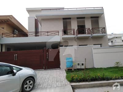 1 Kanal Triple Storey Owner Built House For Sale In E-11 Multi Professional