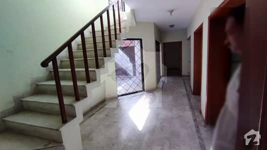 Full House Available For Rent In Gulberg For Commercial Use