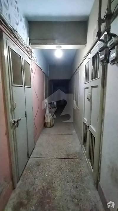 نیوچلی آئی آئی چندڑیگر روڈ کراچی میں 3 کمروں کا 3 مرلہ فلیٹ 45 لاکھ میں برائے فروخت۔