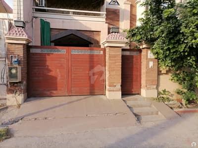 خیابانِ کالونی فیصل آباد میں 14 مرلہ مکان 3.5 کروڑ میں برائے فروخت۔