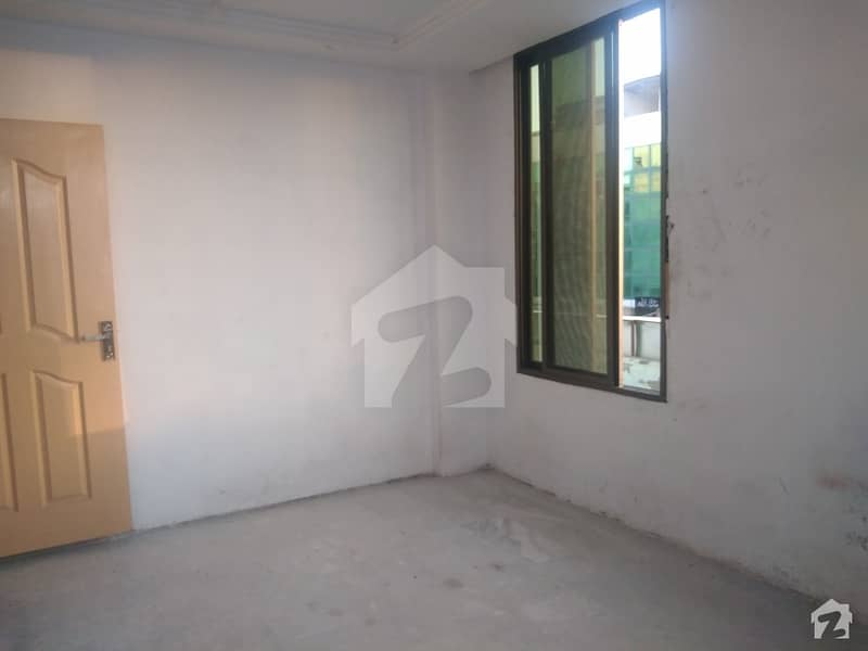 Highly-Desirable 550 Square Feet Flat Available In Pakistan Town