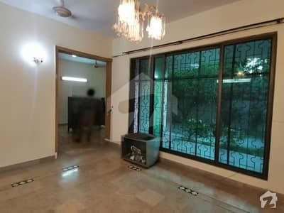 ڈی ایچ اے فیز 2 ڈیفنس (ڈی ایچ اے) لاہور میں 3 کمروں کا 1 کنال زیریں پورشن 85 ہزار میں کرایہ پر دستیاب ہے۔