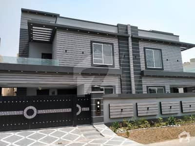 10 Marla Pair 50 Feet Road Ultra Modern 5 Bed Double Unit Super Hot Location Solid Construction