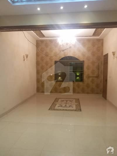 Luxury House 11.85 Marla House For Sale In Heart Of Samanabad All Basic Facilities