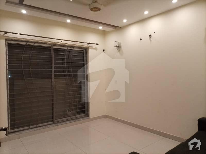 ڈی ایچ اے فیز 6 ڈیفنس (ڈی ایچ اے) لاہور میں 3 کمروں کا 5 مرلہ مکان 55 ہزار میں کرایہ پر دستیاب ہے۔