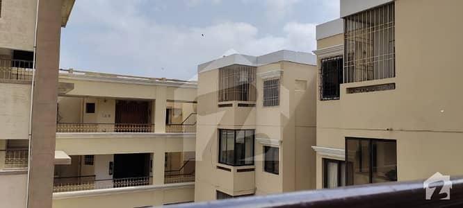 باتھ آئی لینڈ کراچی میں 3 کمروں کا 11 مرلہ فلیٹ 4.45 کروڑ میں برائے فروخت۔