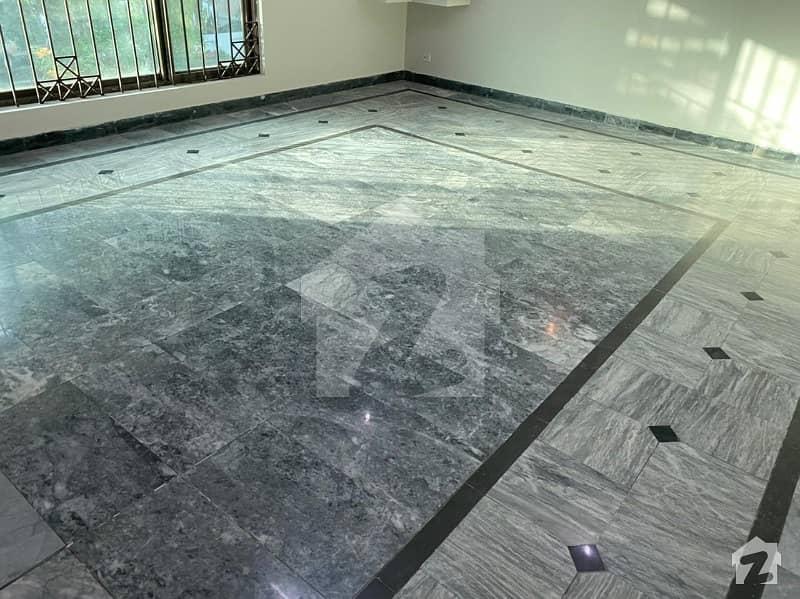 ایف ۔ 11 اسلام آباد میں 4 کمروں کا 1 کنال مکان 10.25 کروڑ میں برائے فروخت۔