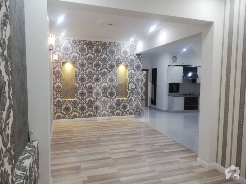 شاہ جمال لاہور میں 2 کمروں کا 4 مرلہ فلیٹ 42 ہزار میں کرایہ پر دستیاب ہے۔