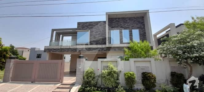 اسٹیٹ لائف فیز 1 - بلاک بی اسٹیٹ لائف ہاؤسنگ فیز 1 اسٹیٹ لائف ہاؤسنگ سوسائٹی لاہور میں 5 کمروں کا 1 کنال مکان 3.95 کروڑ میں برائے فروخت۔