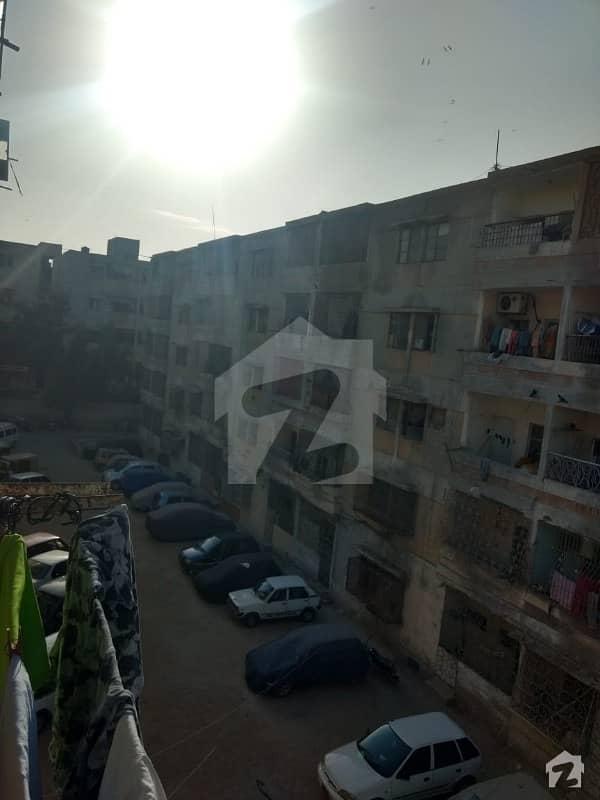 نارتھ ناظم آباد ۔ بلاک ایم نارتھ ناظم آباد کراچی میں 3 کمروں کا 4 مرلہ فلیٹ 25 ہزار میں کرایہ پر دستیاب ہے۔