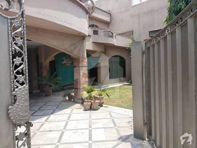 رضوان گارڈن سکیم لاہور میں 5 کمروں کا 1 کنال مکان 75 ہزار میں کرایہ پر دستیاب ہے۔