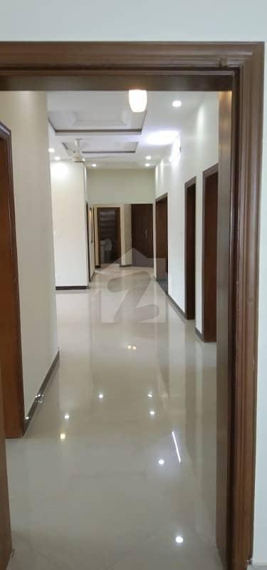 ڈی ایچ اے ڈیفینس فیز 2 ڈی ایچ اے ڈیفینس اسلام آباد میں 3 کمروں کا 1 کنال بالائی پورشن 70 ہزار میں کرایہ پر دستیاب ہے۔