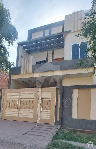 جیون سٹی۔ فیز 5 جیون سٹی ہاؤسنگ سکیم ساہیوال میں 4 کمروں کا 5 مرلہ مکان 38 ہزار میں کرایہ پر دستیاب ہے۔