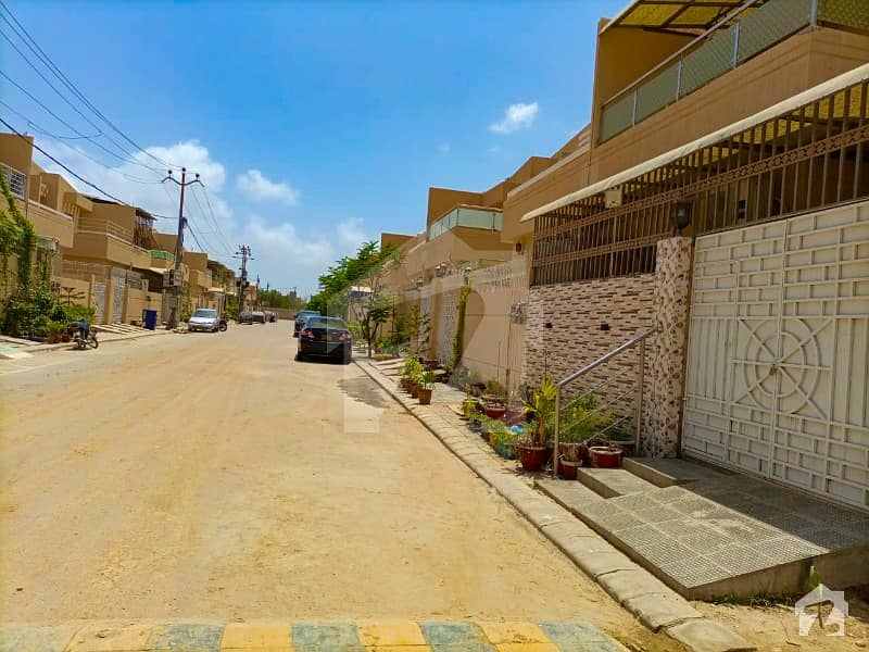 120 Square Yard Single Storey 2bed Dd House For Sell