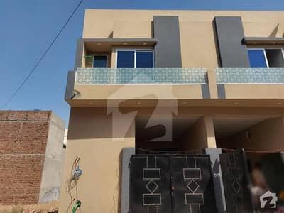 حسن ولاز فیصل آباد میں 3 کمروں کا 3 مرلہ مکان 57 لاکھ میں برائے فروخت۔