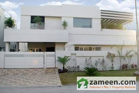 گلبرگ لاہور میں 5 کمروں کا 1 کنال مکان 2.5 لاکھ میں کرایہ پر دستیاب ہے۔
