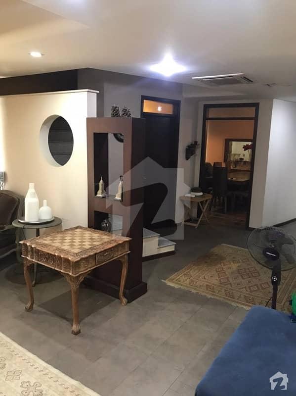 سلوراوکس اپارٹمنٹ ایف ۔ 10 اسلام آباد میں 3 کمروں کا 9 مرلہ فلیٹ 4.35 کروڑ میں برائے فروخت۔