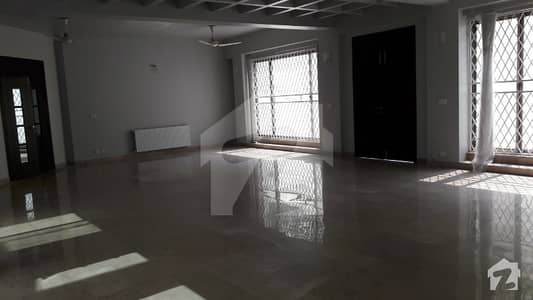 Ideal House Is Available For Sale With Good Return In F-7