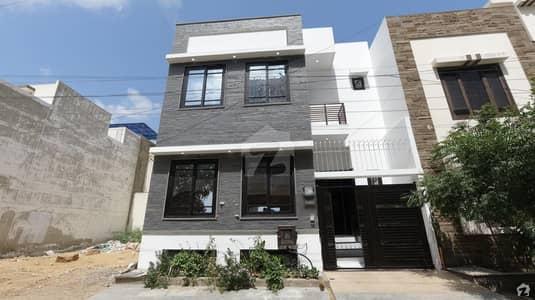 ڈی ایچ اے فیز 7 ایکسٹینشن ڈی ایچ اے ڈیفینس کراچی میں 3 کمروں کا 4 مرلہ مکان 3.6 کروڑ میں برائے فروخت۔