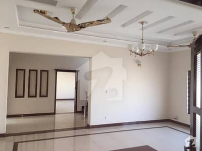 ڈی ایچ اے فیز 1 - سیکٹر بی ڈی ایچ اے ڈیفینس فیز 1 ڈی ایچ اے ڈیفینس اسلام آباد میں 3 کمروں کا 1 کنال بالائی پورشن 50 ہزار میں کرایہ پر دستیاب ہے۔