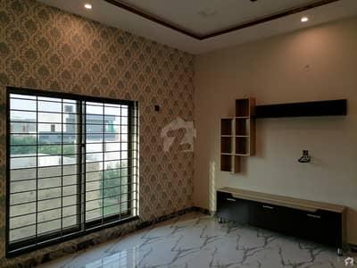 نشیمنِ اقبال فیز 2 نشیمنِ اقبال لاہور میں 6 کمروں کا 1 کنال مکان 3.25 کروڑ میں برائے فروخت۔