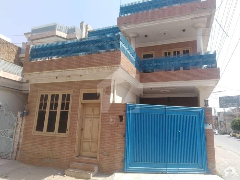 حیات آباد فیز 1 - ڈی4 حیات آباد فیز 1 حیات آباد پشاور میں 5 کمروں کا 5 مرلہ مکان 1.7 کروڑ میں برائے فروخت۔