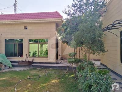ڈیفینس آفیسر کالونی پشاور میں 4 کمروں کا 1 کنال مکان 6.5 کروڑ میں برائے فروخت۔