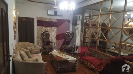 نشاط کمرشل ایریا ڈی ایچ اے فیز 6 ڈی ایچ اے کراچی میں 3 کمروں کا 8 مرلہ فلیٹ 2.35 کروڑ میں برائے فروخت۔