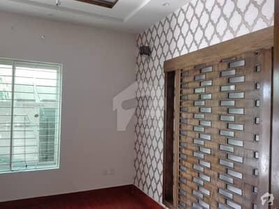تاج باغ سکیم لاہور میں 4 کمروں کا 5 مرلہ مکان 35 ہزار میں کرایہ پر دستیاب ہے۔