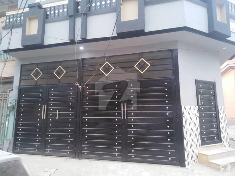 حیات آباد فیز 1 - ڈی4 حیات آباد فیز 1 حیات آباد پشاور میں 7 کمروں کا 5 مرلہ مکان 2.5 کروڑ میں برائے فروخت۔