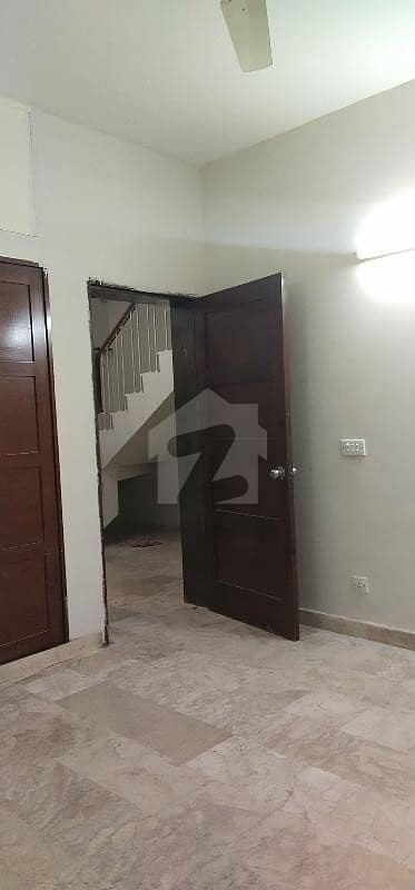 Proper Cornar House For Rent With Big Lawn All Facilities Available