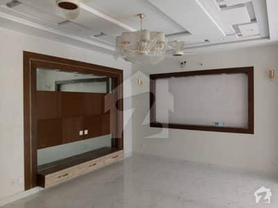 اسٹیٹ لائف فیز 1 - بلاک ایف اسٹیٹ لائف ہاؤسنگ فیز 1 اسٹیٹ لائف ہاؤسنگ سوسائٹی لاہور میں 6 کمروں کا 10 مرلہ مکان 77 ہزار میں کرایہ پر دستیاب ہے۔