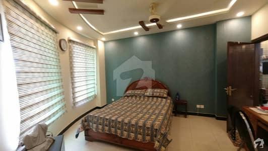ایف ۔ 11 مرکز ایف ۔ 11 اسلام آباد میں 3 کمروں کا 12 مرلہ فلیٹ 2.6 کروڑ میں برائے فروخت۔