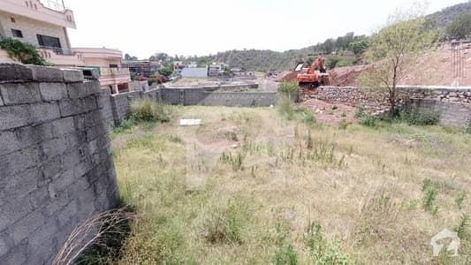 بہارہ کھوہ اسلام آباد میں 1 کنال رہائشی پلاٹ 1.1 کروڑ میں برائے فروخت۔