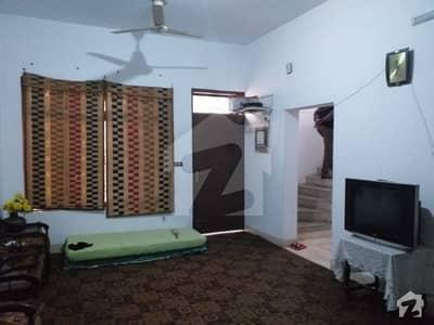 گلبرگ لاہور میں 7 کمروں کا 2 کنال مکان 8.5 کروڑ میں برائے فروخت۔