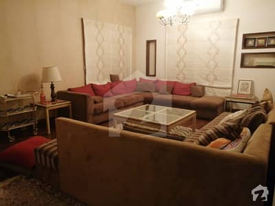 Cc-151 220 Sq Yards Beautiful Town House In Cream Location Of Muslimabad
