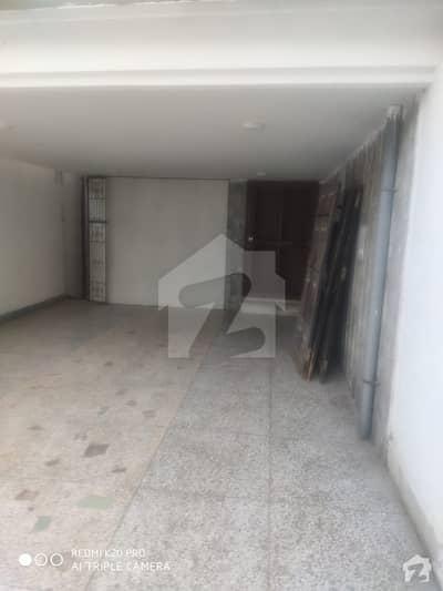 ایف ۔ 11 اسلام آباد میں 6 کمروں کا 1.33 کنال مکان 9 کروڑ میں برائے فروخت۔