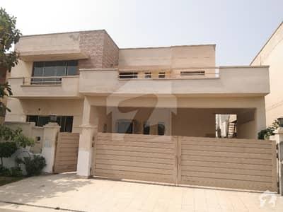 عسکری 10 - سیکٹر ایف عسکری 10 عسکری لاہور میں 4 کمروں کا 17 مرلہ مکان 4.75 کروڑ میں برائے فروخت۔
