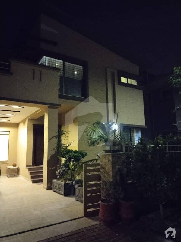 ڈیفینس رایا ڈی ایچ اے ڈیفینس لاہور میں 5 کمروں کا 1 کنال مکان 1.5 لاکھ میں کرایہ پر دستیاب ہے۔