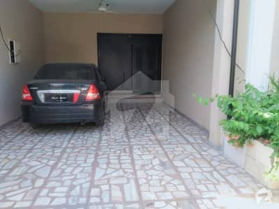 1 Kanal Renovated House Available For Rent