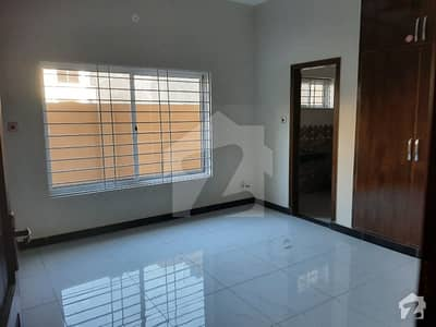 House Of 4500  Square Feet In Soan Garden For Rent