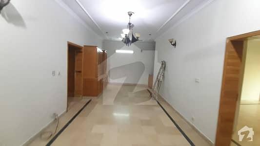 ای ۔ 11 اسلام آباد میں 7 کمروں کا 10 مرلہ مکان 3.5 کروڑ میں برائے فروخت۔