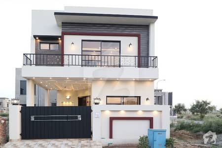 5 Marla Brand New Luxury house available for sale