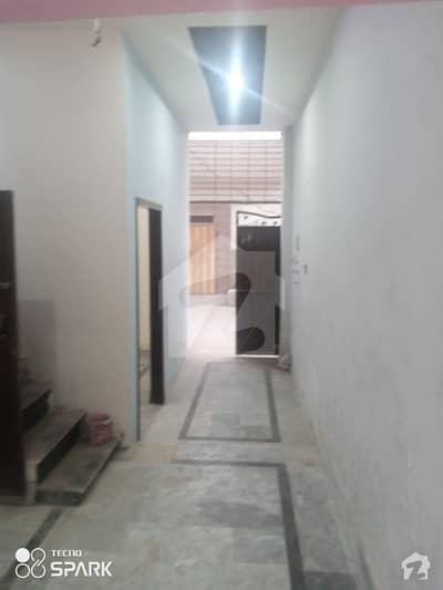 خیابان کالونی 3 فیصل آباد میں 2 کمروں کا 2 مرلہ مکان 37 لاکھ میں برائے فروخت۔